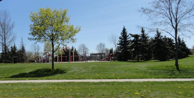 sixteen hollow park playground
